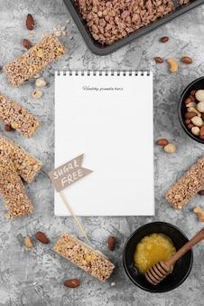 Snacks et cahier sans sucre