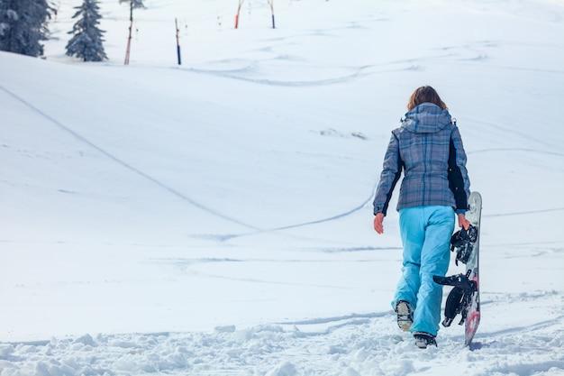 Snowboarder femme