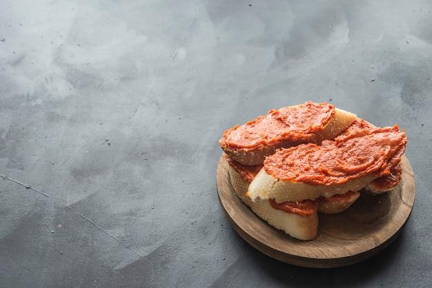 Sobrasada avec pain espagnol typique