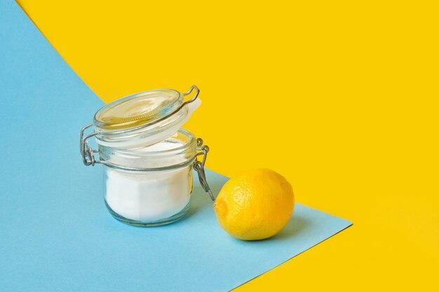 Soda en pot et espace de copie de citron