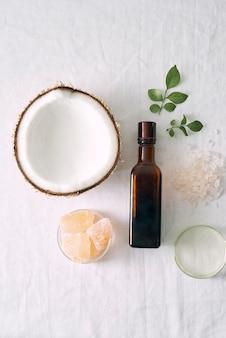 Soins de la peau cosmétiques naturels et aromathérapie aux huiles essentielles. produit de beauté biologique en sciences naturelles. médecine alternative à base de plantes. maquette.