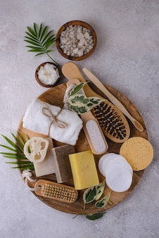 Les soins de la peau réutilisables accessoirisent le concept de mode de vie durable zéro déchet