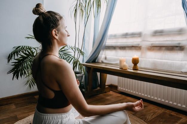 Soins personnels autocompassion bien-être mental dans le monde postpandémique méditation sur le bien-être en santé mentale pour