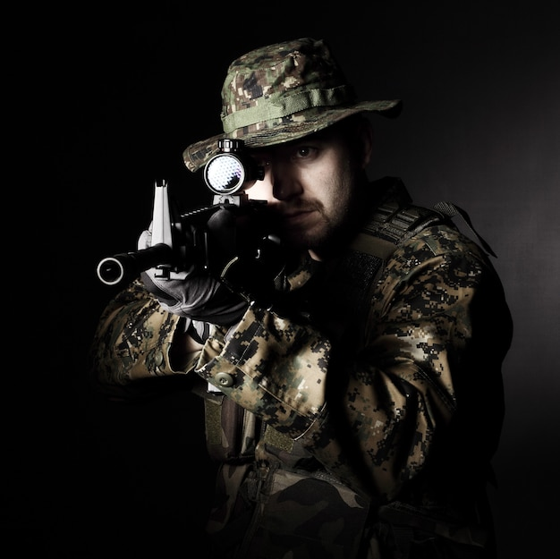 Soldat en action