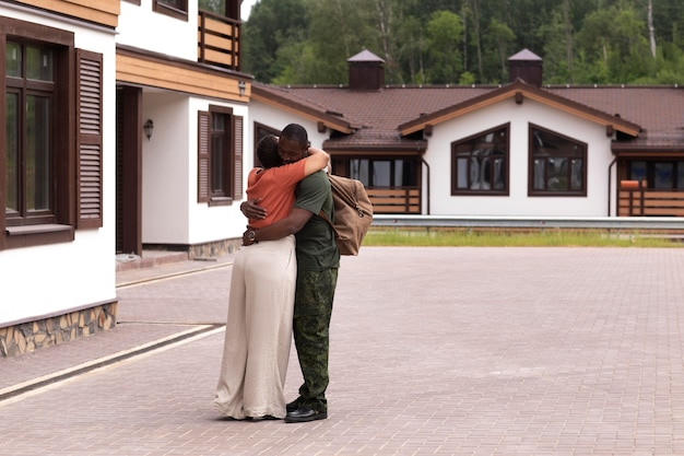 Soldat des états-unis au départ de sa famille