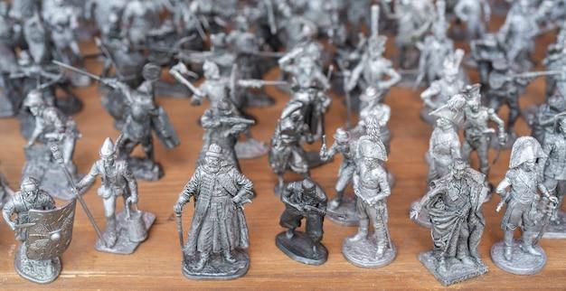 Soldats d'étain. figures de soldats et personnages historiques.