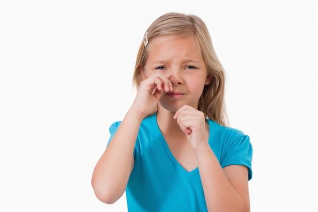 Solitaire petite fille en pleurs