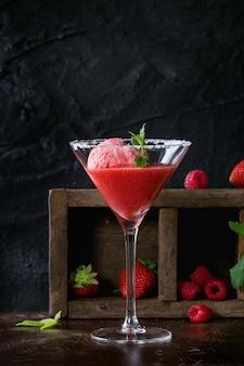 Sorbet à la fraise à la menthe