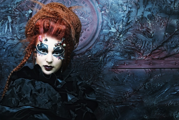 Sorcière gothique. femme sombre image d'halloween.