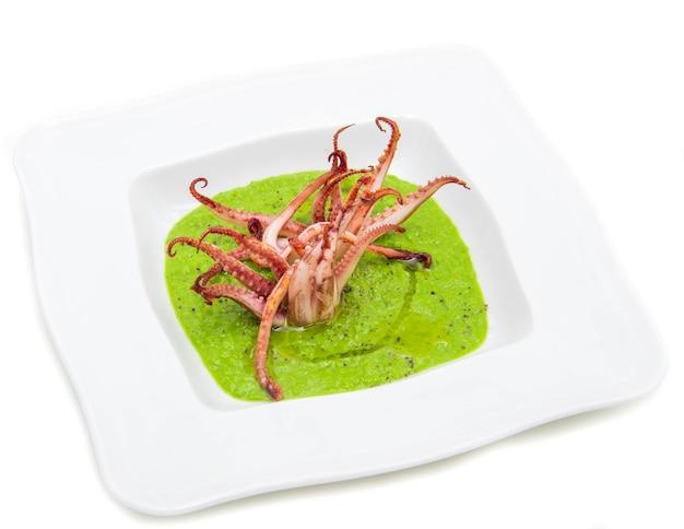 Soupe aux pois aux tentacules de calamars