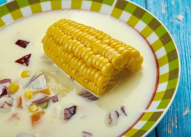 Soupe de maïs jamaïcaine - soupe styler des caraïbes close up
