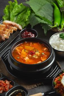 Soupe à la pâte de haricots à la coréenne