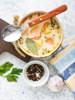 Soupe de poisson au saumon