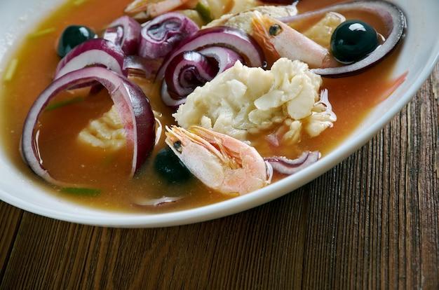 Soupe de poisson encebollado d'equateur