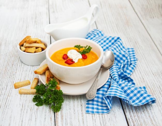 Soupe de potiron aux citrouilles fraîches