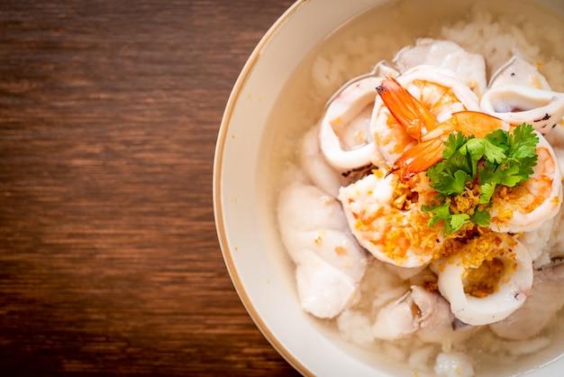 Soupe de riz bouilli aux fruits de mer