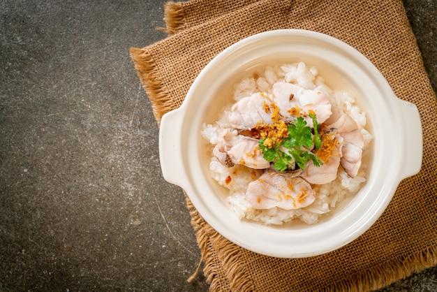 Soupe de riz bouillie au poisson