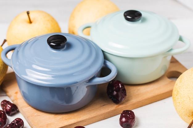 Soupe sucrée aux champignons et poires de neige chinoise en bonne santé