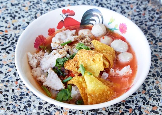 Soupe thaïlandaise au bœuf