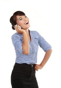 Sourire, femme affaires, conversation téléphone