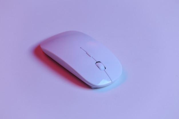 Souris pc blanche en néon rouge-bleu