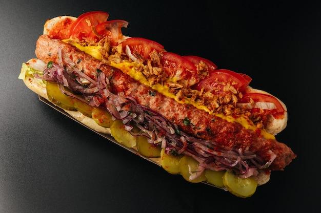Sous-sandwich baguette avec brochette de poulet