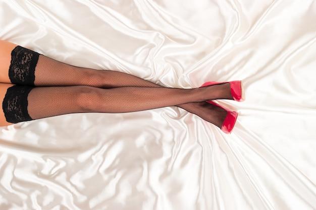 Sous-vêtements et chaussures noirs