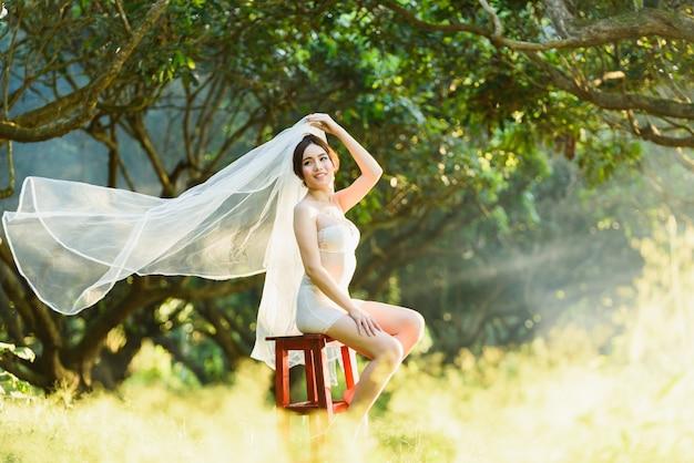 Sous-vêtements sexy asiatique fille lady style de mariage thai