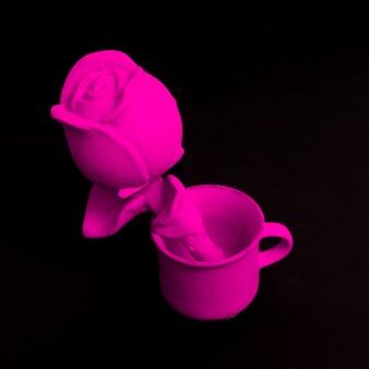 Souvenir de rose sur fond noir art minimal