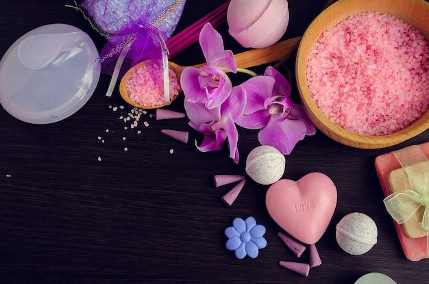 Spa et cadre de bien-être avec du savon naturel