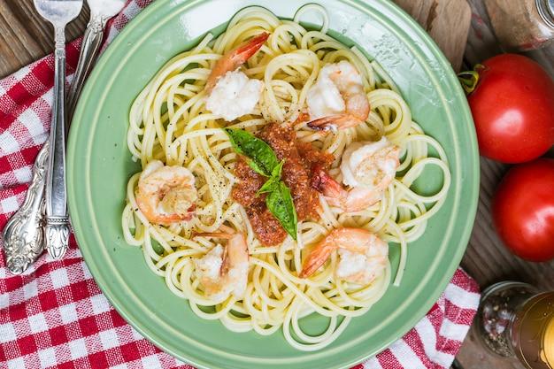 Spaghetti ail frais alimentaire rouge