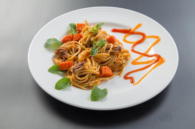 Spaghetti aux calmars