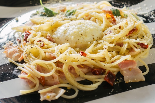 Spaghetti bolognaise au fromage.