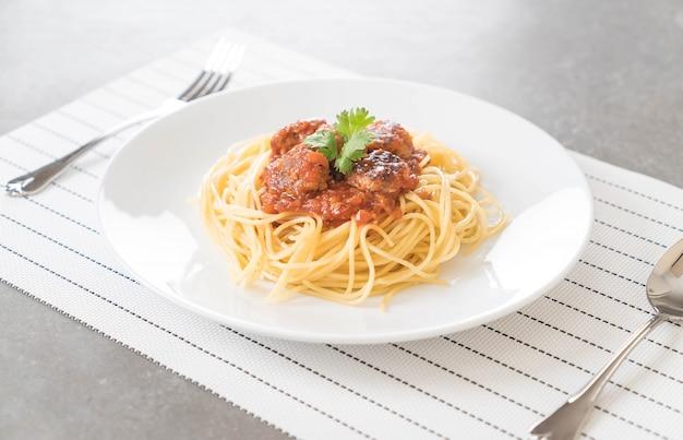 Spaghetti et boulettes de viande