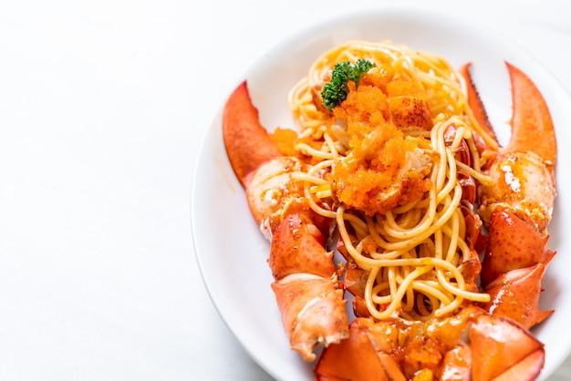 Spaghetti de homard aux oeufs de crevettes