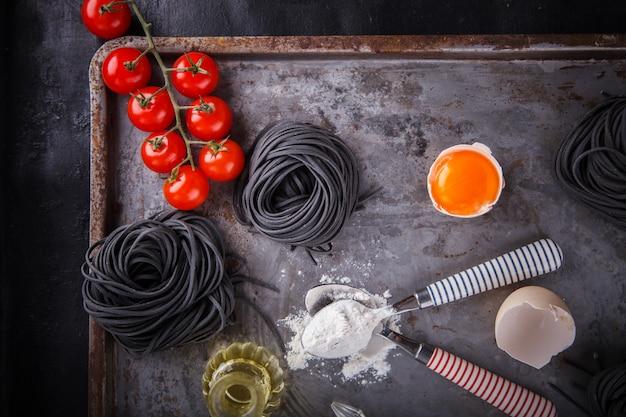 Spaghetti à la pâte noire