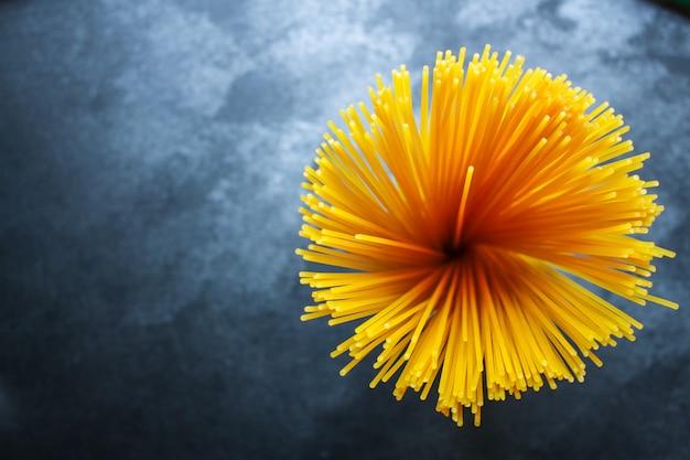 Spaghetti pâtes menu italien cru