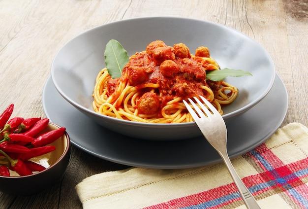 Spaghetti à la sauce à la viande