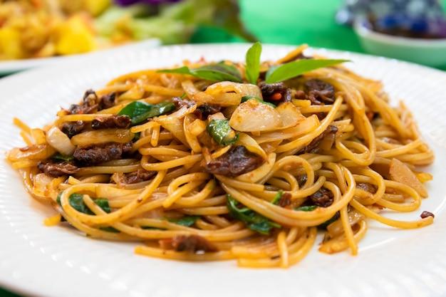 Spaghetti thaïlandais