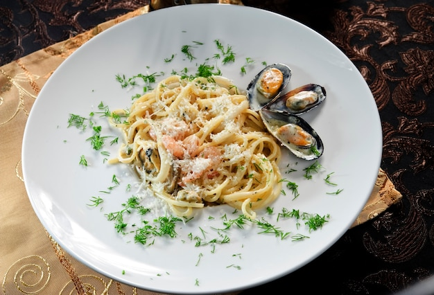 Spaghettis marinara aux fruits de mer