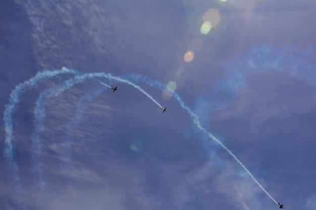 Spectacle aérien de ciel nuages