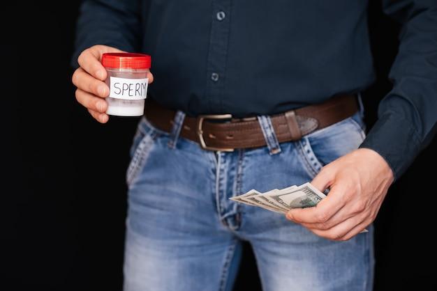 Sperm bank et gagner de l'argent à des factures en mains