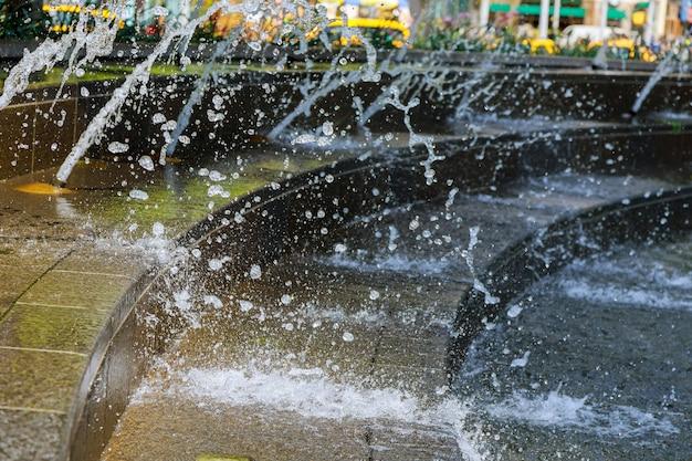 Splash fontaine résumé image flux cesse de tomber