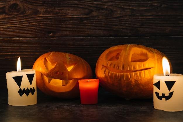 Spooky halloween sculpté citrouilles et bougies