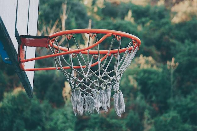 Sport de basket dans la rue