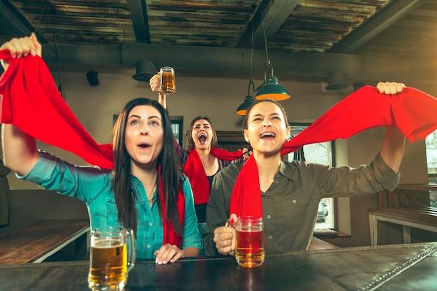 Sport, gens, loisirs, amitié, concept de divertissement