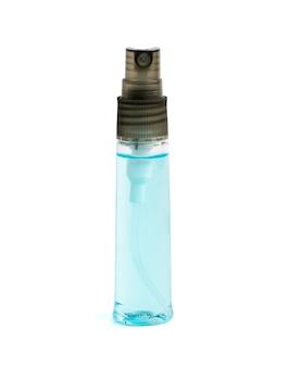 Spray désinfectant pour les mains pour le nettoyage et la prévention isolé sur fond blanc avec un tracé de détourage