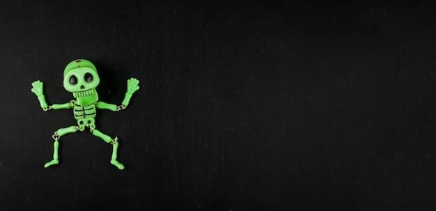 Squelette vert effrayant