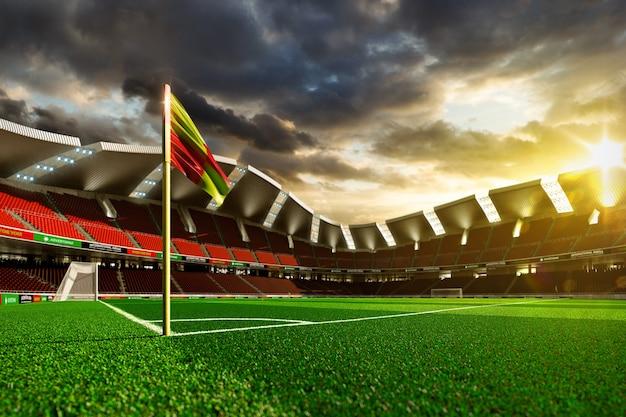 Stade de football vide sans fans dans la lumière du soleil du soir