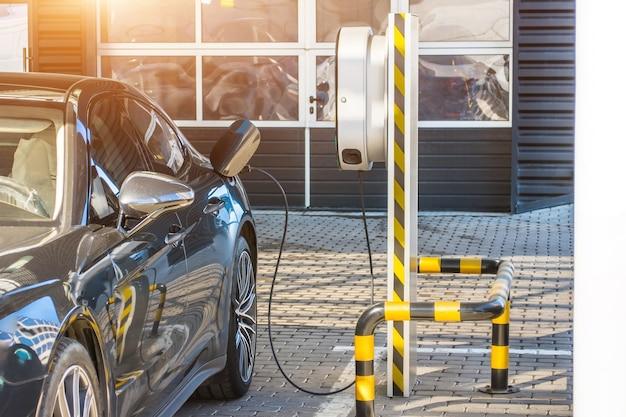 Station de recharge de batteries de véhicules électriques hybrides